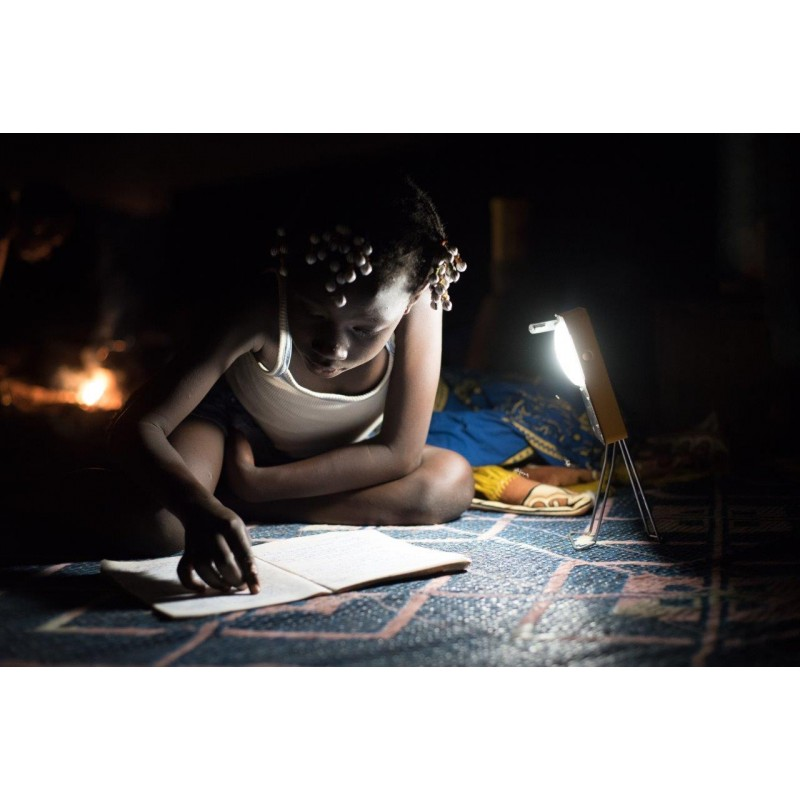 Le Burkina Faso mise sur les lampes solaires