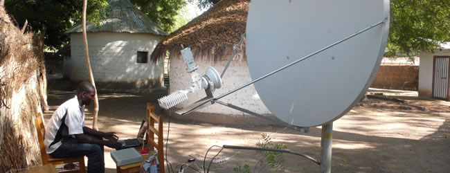 Internet : l'Ouganda , en voie de préférer les airs aux mers ?