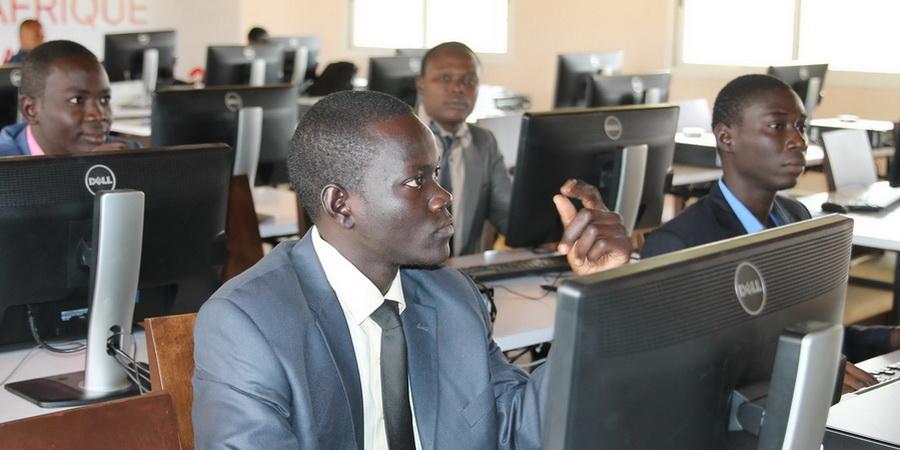 Côte d'Ivoire : Former 1000 jeunes aux TIC