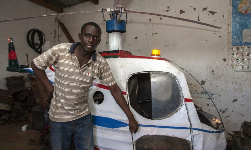 Malawi : Felix Kambwiri fabrique son propre hélicoptère monoplace