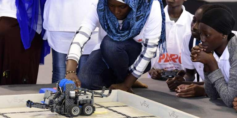Le Mali inaugure un centre de formation en robotique