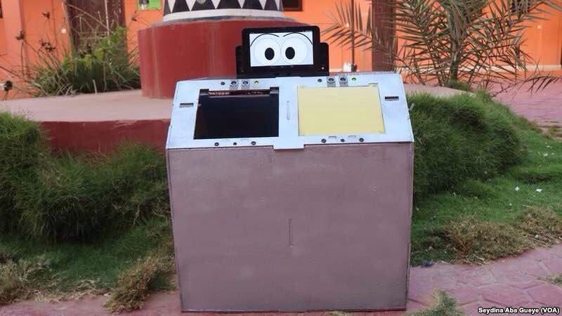Une poubelle intelligente à Dakar