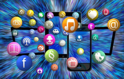Ouganda : Les taxes sur les réseaux sociaux entrent en vigueur