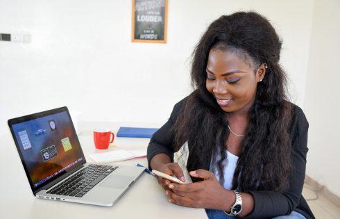 Le numéro 6 du magazine «Moi entrepreneur» célèbre les femmes