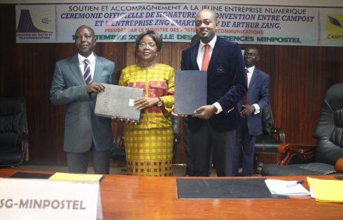 Le Camerounais Arthur Zang émet une carte de paiement électronique