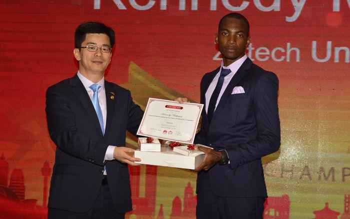 Huawei Kenya récompense 11 des meilleurs étudiants de sa compétition