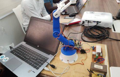 Togo : EDINOV crée une communauté de la robotique (vidéo)