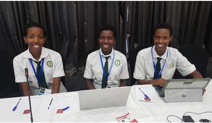 Rwanda : Trois élèves combattent la corruption avec une application