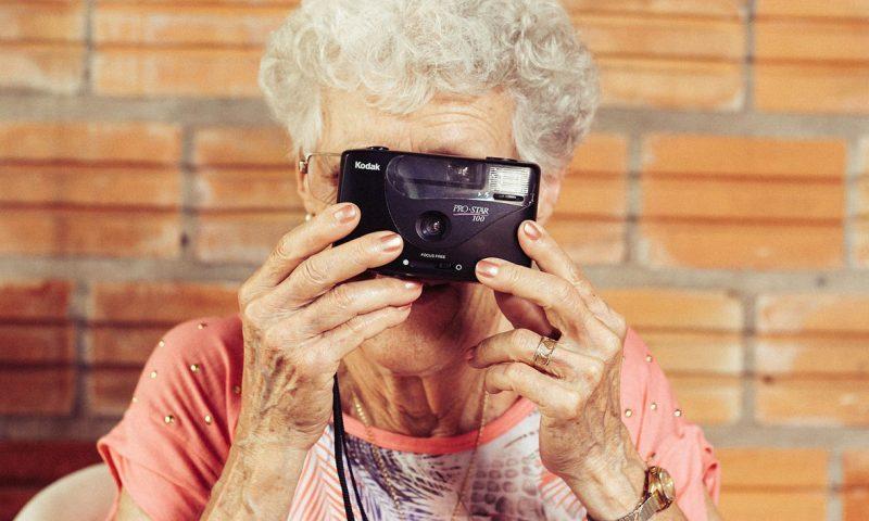 Facebook: une grand-mère condamnée pour avoir publié des photos de ses petits-enfants