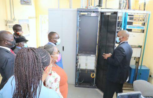 De la fibre optique pour relier Zambie et Zimbabwe