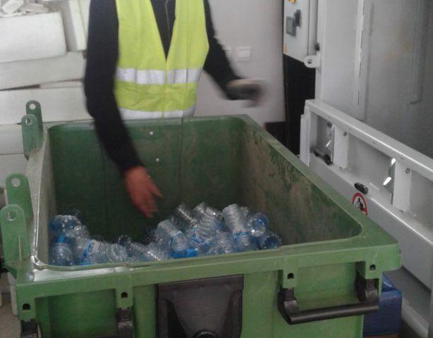 """Maroc: Une start-up crée une poubelle """"intelligente"""""""
